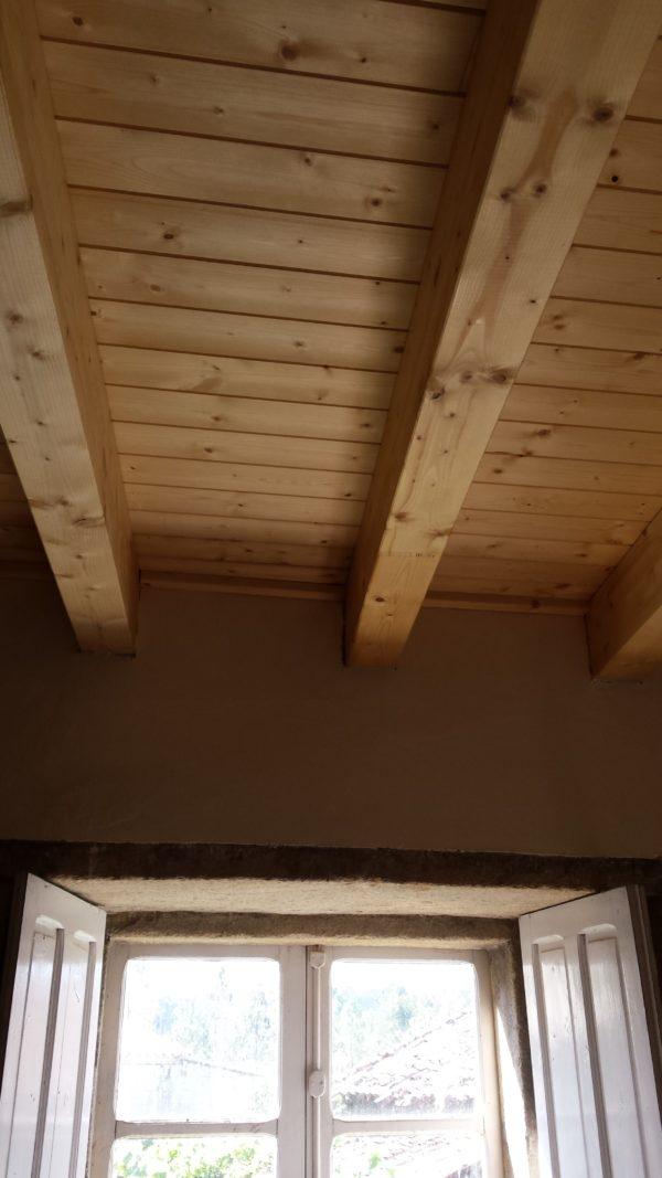 vivenda forjado madera